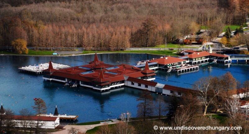 Heviz_thermal_lake_hungary_2