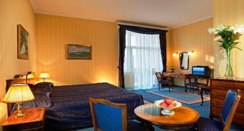 Danubius_grand_hotel_room_hungary
